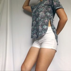 4/$25 Aeropostale floral high low slit tee shirt